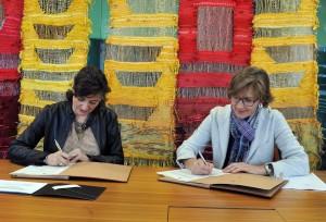 2 signatura del conveni amb l'ajuntament de Sant Cugat 2013